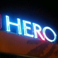 2/14/2013 tarihinde Arie B.ziyaretçi tarafından Hero Tomang'de çekilen fotoğraf