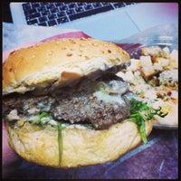 Снимок сделан в The Burger пользователем Artem T. 2/10/2013
