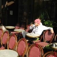 Das Foto wurde bei Café Esplanad von Artem T. am 4/29/2013 aufgenommen