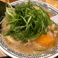 Photo taken at 丸源ラーメン御殿場店 by 03countrygirl on 10/8/2018
