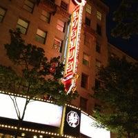 Photo prise au The 5th Avenue Theatre par Dena M. le9/29/2012