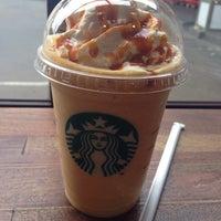 Photo taken at Starbucks by Kippo on 8/23/2015