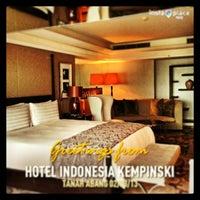 Photo taken at Hotel Indonesia Kempinski Jakarta by emma r. on 3/2/2013