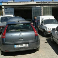 Photo taken at aydın oto tamir by Hasan Y. on 3/7/2016
