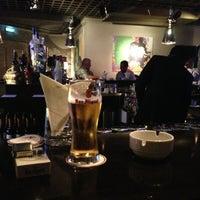 รูปภาพถ่ายที่ The K Lounge, The K Hotel โดย Sal K. เมื่อ 2/24/2013
