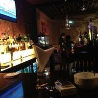 Снимок сделан в The K Lounge, The K Hotel пользователем Sal K. 3/22/2013