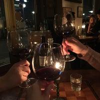 Das Foto wurde bei Briefmarken Weine - Grande Vini Piccola Cucina von Stephanie R. am 2/21/2017 aufgenommen