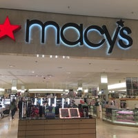 Photo taken at Macy's by Luan Patrick R. on 1/31/2017