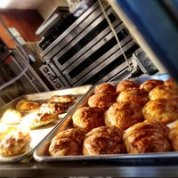 Photo taken at Nuchas Artisan Empanadas by Jeremy M. on 10/27/2012