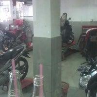 Photo taken at Yamaha Damar, Cv. Tjahaja Baru by Hartos B. on 5/11/2013