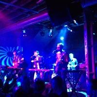 Das Foto wurde bei XOYO von Greg M. am 10/2/2012 aufgenommen