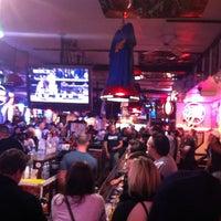 Foto tirada no(a) Stan's Sports Bar por Michael D. em 10/14/2012