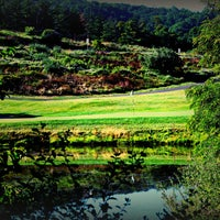 Photo taken at Rocky Gap Casino's Jack Nicklaus Signature Golf Course by Rocky Gap Casino Resort on 8/27/2013