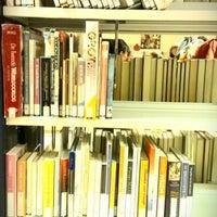 Photo taken at Bibliotheek Transvaalkwartier by Eveline Q. on 11/20/2012