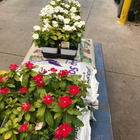 Photo taken at Lowe's Home Improvement by Naura on 7/28/2017
