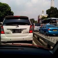 Photo taken at Jalan Mampang Prapatan Raya by Nindya P. on 8/13/2014