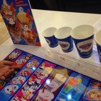 Photo taken at Dairy Queen by Chompuw💘🐾 on 9/26/2016
