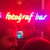 2/16/2013 tarihinde Tulga Y.ziyaretçi tarafından Fotoğraf Cafe & Bar'de çekilen fotoğraf