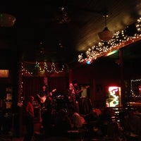 11/2/2012 tarihinde Haleyziyaretçi tarafından Blind Willie's'de çekilen fotoğraf