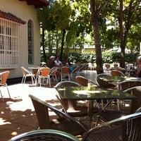 Foto tomada en Crepes & Waffles por Adriana V. el 7/31/2011