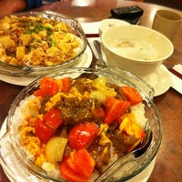 Photo taken at Congee Noodle House 粥麵館 by Amy C. on 11/6/2011