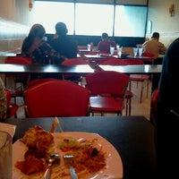 Photo taken at Restoran Sinar Selera by ELiyu E. on 9/11/2011