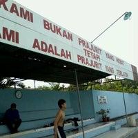 Photo taken at kolam renang Tirta Bhirawa Kopassus by Dimaz P. on 12/10/2011