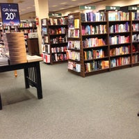 Photo taken at Barnes & Noble by Masato W. on 11/10/2012