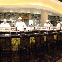 Foto scattata a Nobu Restaurant Caesars Palace da Greg G. il 3/8/2013