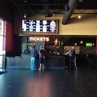 Foto tirada no(a) Alamo Drafthouse Cinema por Bruce T. em 11/2/2013