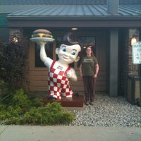 Photo taken at Frisch's Big Boy by Bruce T. on 7/16/2013