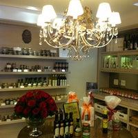 Foto tirada no(a) Marie-Madeleine Boutique Gourmet por Marcos Z. em 9/29/2012