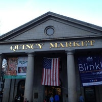 Photo prise au Quincy Market par Aaron W. le11/10/2012