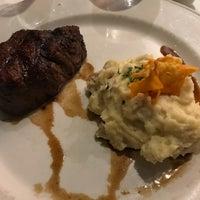 Foto tirada no(a) Chart House Restaurant por Chris Jon T. em 7/5/2017