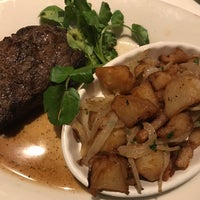 Photo taken at Morton's the Steakhouse by Chris Jon T. on 1/22/2017