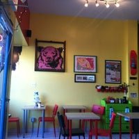 12/22/2012 tarihinde Teresa C.ziyaretçi tarafından Jackalope Coffee & Tea'de çekilen fotoğraf