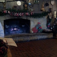 Photo taken at Cracker Barrel Old Country Store by Injrid on 12/18/2013