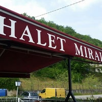 Foto scattata a Brasserie Chalet Miralago da Brasserie Chalet Miralago il 4/14/2017