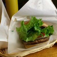 12/25/2012にToru K.がフレッシュネスバーガー 登戸駅前店で撮った写真