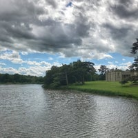 Photo taken at Compton Verney Art Gallery & Park by Glynn on 6/6/2017
