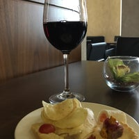 Photo taken at Liverpool Hilton Executive Lounge by Glynn on 10/1/2017