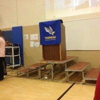 2/20/2014 tarihinde Fred D.ziyaretçi tarafından Thoreau Middle School'de çekilen fotoğraf