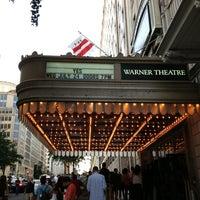 7/24/2013 tarihinde Fred D.ziyaretçi tarafından Warner Theatre'de çekilen fotoğraf