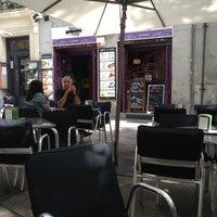Foto tomada en Priorité Art Coffee Shop por Svetlana I. el 9/19/2013