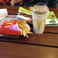 Photo taken at McDonald's by Juan Miguel G. on 4/3/2017