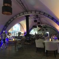 Das Foto wurde bei Parus Cafe von Valeriya am 7/2/2018 aufgenommen