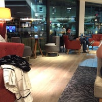 Photo taken at Holiday Inn London - Brentford Lock by Graeme C. on 11/4/2014
