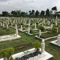 Photo taken at Tanah Perkuburan Islam Batu Muda by ihsan n. on 2/2/2018