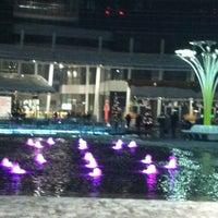 Foto scattata a Piazza Gae Aulenti da Angella il 12/16/2012