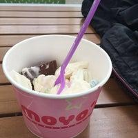 Photo prise au MoYo's Frozen Yogurt par Emily M. le1/30/2017